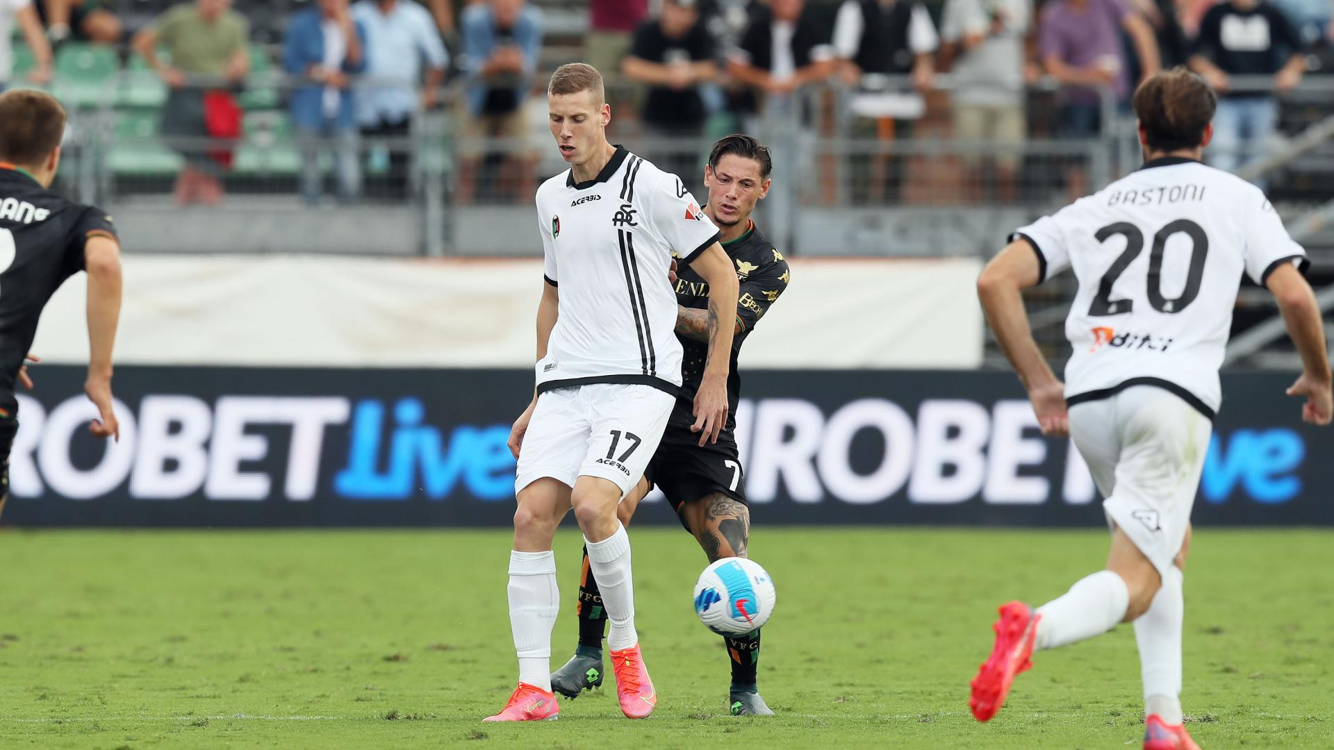 National teams: debut for Podgoreanu with Israeli. Antiste in the U21 team
